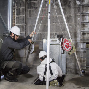 1014432, 1005041, 1005044, 1004370, 1018960 MILLER Ropax Tripod Manhandler Mightevac OxyPro Confined Space Application_large